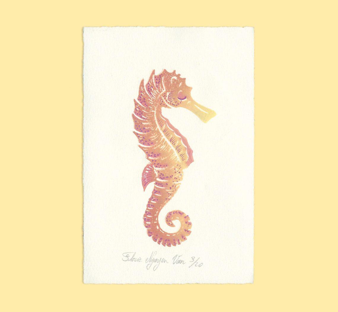 Hippocampe en linogravure par Florie Nguyen Van