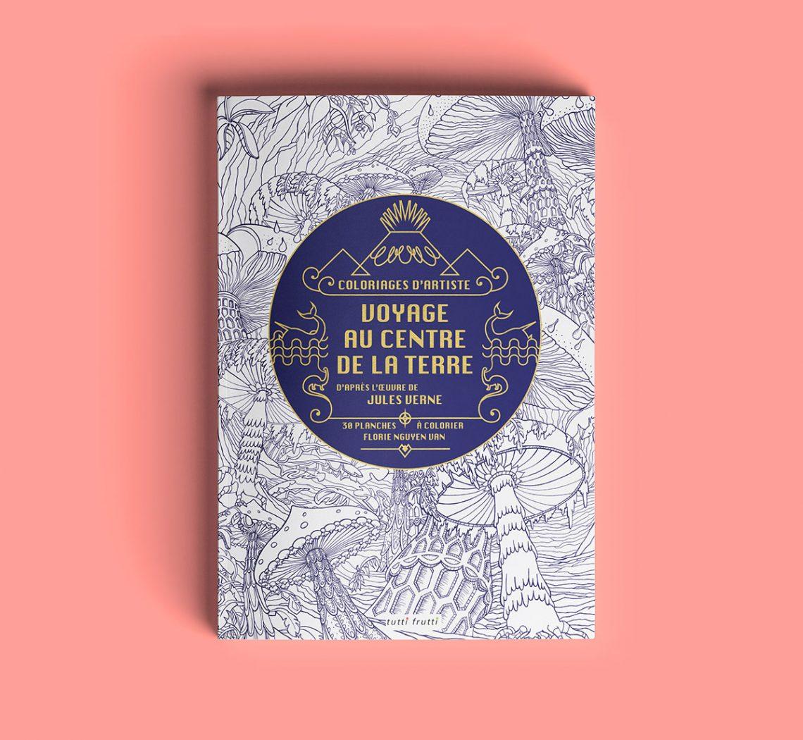 Couverture du cahier de coloriage Voyage au centre de la Terre de Jules Verne